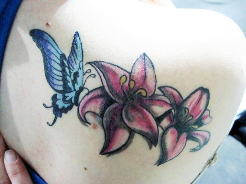 Tattoo Flores Hombro Mujer