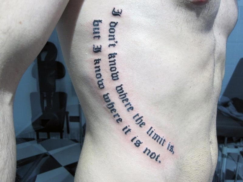 Tattoo Frase Costado