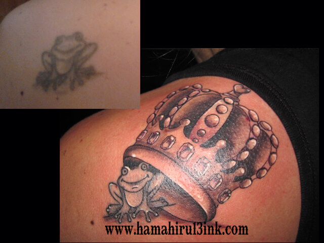 Tatuaje en el hombro Hamahiru 13 Ink Tattoo & Piercing