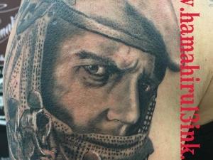 Tatuaje guerrero Hamahiru 13 Ink Tattoo & Piercing Manu 7