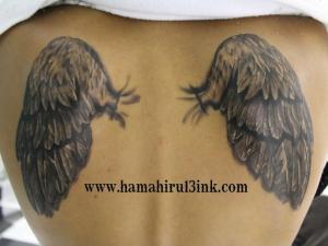 Tatuaje alas en la espalda Hamahiru 13 Ink Tattoo & Piercing