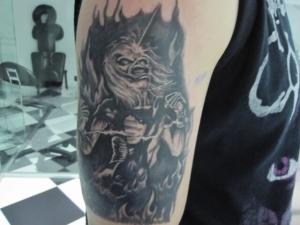 Tattoo Brazo Eddie Hamahiru 13 Ink Tattoo & Piercing