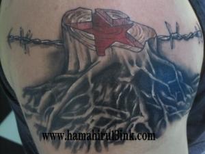 Tatuaje Arbol Hamahiru 13 Ink Tattoo & Piercing
