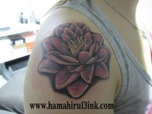 Tatuaje flores Hamahiru 13 Ink Tattoo & Piercing