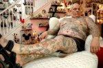 ¿Por qué este señor quiere borrarse sus 2000 tatuajes?