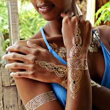 Tatuajes dorados y plateados 3