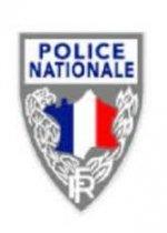 Tatuajes, piercings, barbas y policía francesa.