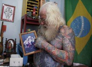 Papa Noel con tatuajes 2