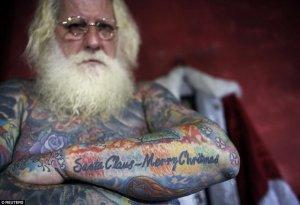 Papa Noel con tatuajes 4