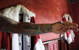 Papa Noel con tatuajes 5