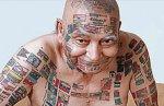 """El """"hombre bandera"""" . Sus tatuajes."""